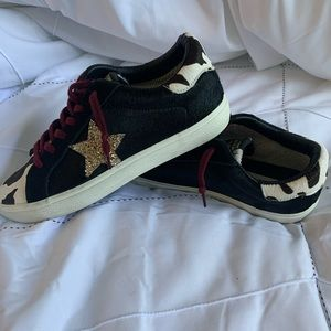 """Steve Madden """"Philosophy"""" Sneakers"""